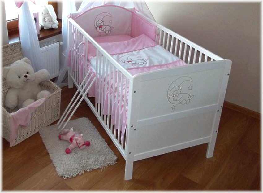 mondmotiv rosa babybett kinderbett 140x70 umbaubar zum juniorbett neu. Black Bedroom Furniture Sets. Home Design Ideas
