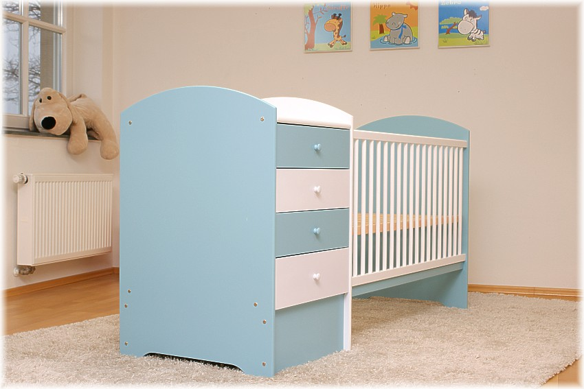himmelblaues babybett mit wickelkommode babybett kinderbett komplettset neu ebay. Black Bedroom Furniture Sets. Home Design Ideas