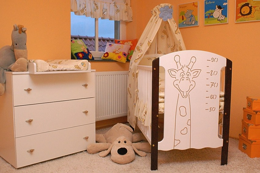 babybett kinderbett wickelkommode modell rikkia. Black Bedroom Furniture Sets. Home Design Ideas